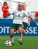 Fotball<br /> Irland<br /> Foto: imago/Digitalsport<br /> NORWAY ONLY<br /> <br /> 19.09.2009<br /> Fussball Frauen WM Qualifikationsspiel Schweiz (rot) - Irland (weiß) 2:0 -  Michele O'Brien (Irland)