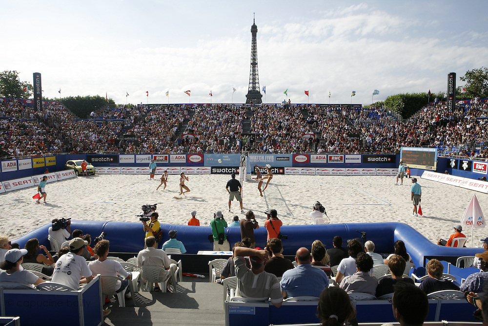 Sunday June 22nd 2008. Paris, France.Swatch FIVB World Tour - Henkel Grand Chelem...A international Beach Volley Competition takes place for a week on the Champ de Mars in Paris.