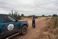 Vicam, Sonora. Mexico: Mario Luna e suo figlio Emiliano