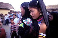 Nepal - Region du Teraï - Ethnie Rana Tharu - Fête de Holi