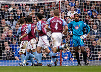 Fotball<br /> Premier League 2004/2005<br /> 06.11.2004<br /> Foto: SBI/Digitalsport<br /> NORWAY ONLY<br /> <br /> Aston Villa v Portsmouth<br /> <br /> Aston Villa players celebrate Nolberto Solano's goal, their side's third of the first half, as Portsmouth's keeper Shaka Hislop looks on dejectedly.