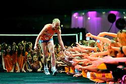 10-05-2008 VOLLEYBAL: DELA MEIDENDAG: APELDOORN<br /> Zo n 1500 meisjes woonden de teampresentatie van het Nederlands vrouwenvolleybalteam bij. De DELA meidendag werd weer een groot succes / Alice Blom<br /> ©2008-WWW.FOTOHOOGENDOORN.NL