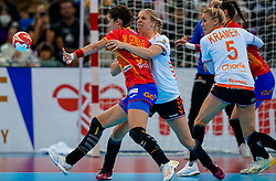 15-12-2019 JAP: Final Netherlands - Spain, Kumamoto<br /> The Netherlands beat Spain in the final and take historic gold in Park Dome at 24th IHF Women's Handball World Championship / Danick Snelder #10 of Netherlands, Mireya Gonzalez Alvarez #99 of Spain