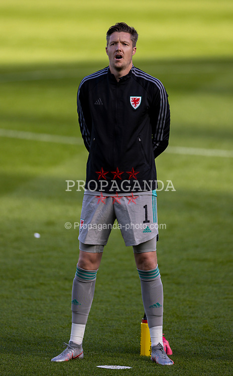 DUBLIN, REPUBLIC OF IRELAND - Sunday, October 11, 2020: Wales' goalkeeper Wayne Hennessey lines-up for the national anthem before the UEFA Nations League Group Stage League B Group 4 match between Republic of Ireland and Wales at the Aviva Stadium. The game ended in a 0-0 draw. (Pic by David Rawcliffe/Propaganda)