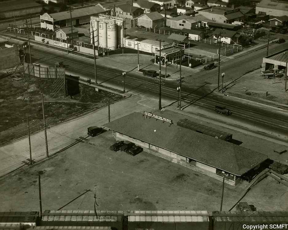 1929 Santa Monica Blvd. & Citrus Ave.