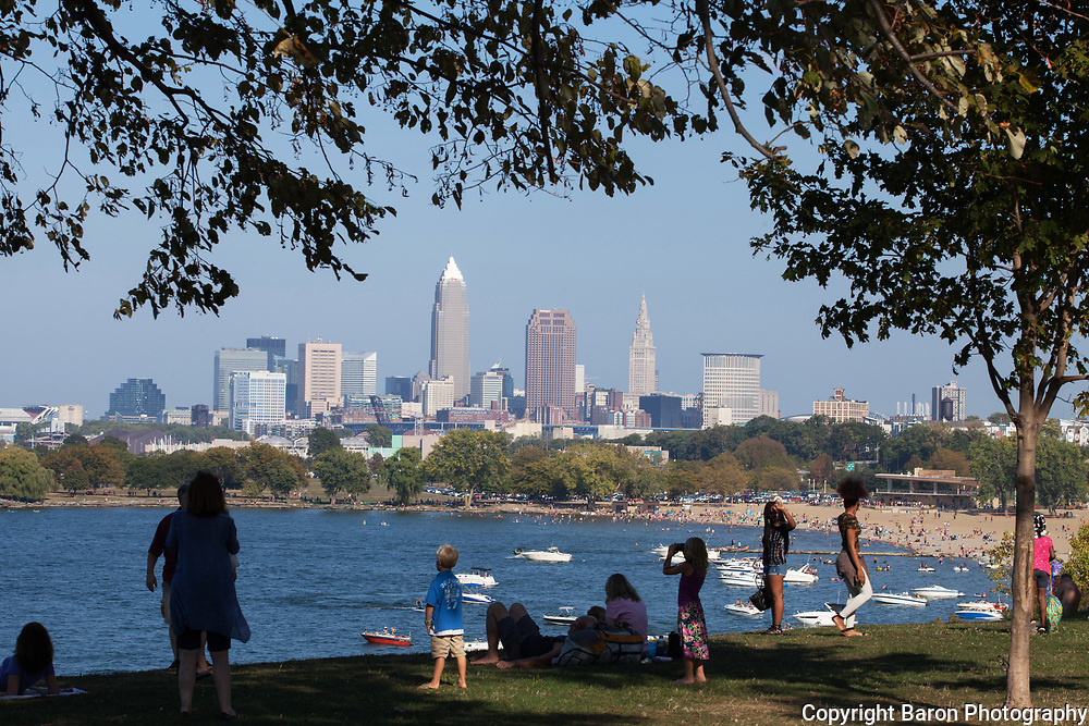 Cleveland skyline, Cleveland, Cleveland beaches, Edgewater Park
