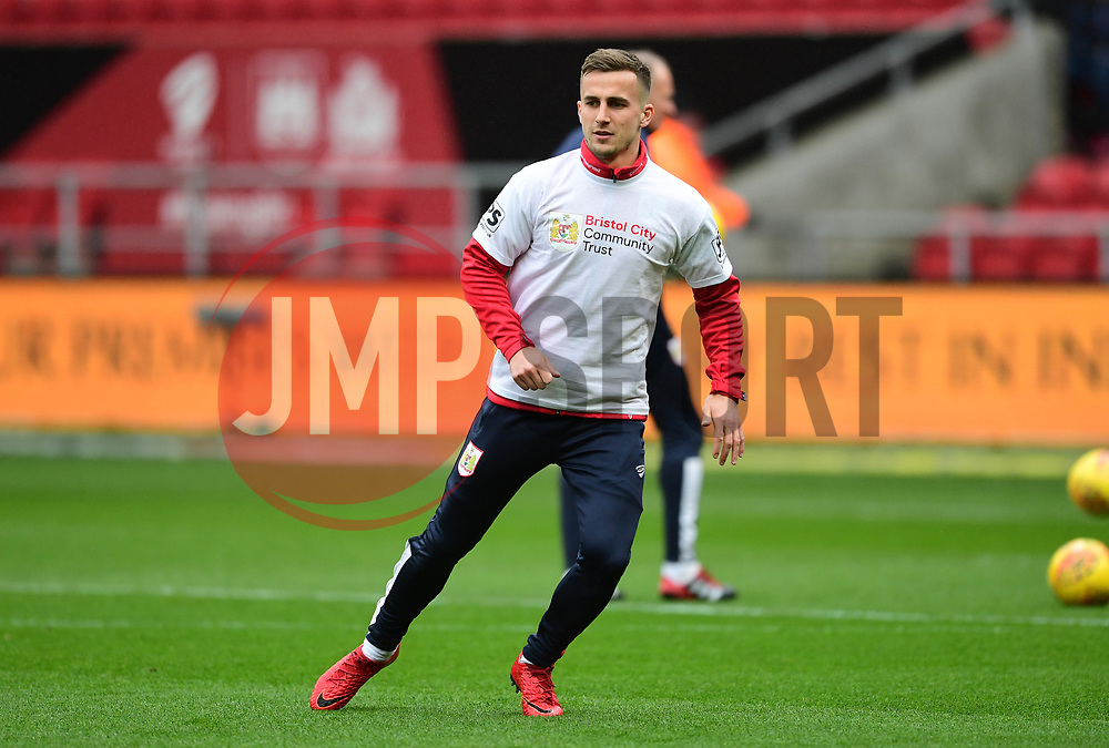 Joe Bryan of Bristol City warms up  - Mandatory by-line: Joe Meredith/JMP - 10/02/2018 - FOOTBALL - Ashton Gate Stadium - Bristol, England - Bristol City v Sunderland - Sky Bet Championship
