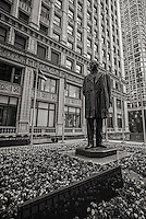 Statue of Benito Juarez, Plaza of the Americas, Magnificent Mile