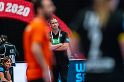 Coach Henk Groener of Germany in action during the Women's EHF Euro 2020 match between Netherlands and Germany at Sydbank Arena on december 14, 2020 in Kolding, Denmark (Photo by RHF Agency/Ronald Hoogendoorn)