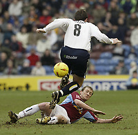 Fotball<br /> England 2004/2005<br /> Foto: SBI/Digitalsport<br /> NORWAY ONLY<br /> <br /> Burnley v Leeds United<br /> Coca-Cola Championship.<br /> 05/02/2005.<br /> <br /> Burnley's Tony Grant and Leeds Sean Gregan