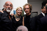 ROSS LOVEGROVE; NADJA SCHNABEL; YVES BEHAR, Party hosted by Franca Sozzani and Remo Ruffini in honour of Bruce Weber to celebrate L'Uomo Vogue The Miami issuel by Bruce Weber. Casa Tua. James Avenue. Miami Beach. 5 December 2008 *** Local Caption *** -DO NOT ARCHIVE-© Copyright Photograph by Dafydd Jones. 248 Clapham Rd. London SW9 0PZ. Tel 0207 820 0771. www.dafjones.com.