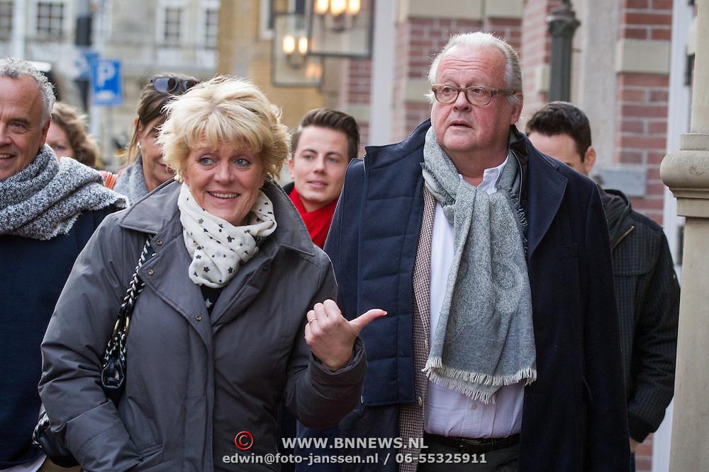 NLD/Amsterdam/20151123 - 5 jaar Delamar theater en 10 Jaar Van den Ende Foundation viering, simone Kleinsma en partner Guus Verstreate