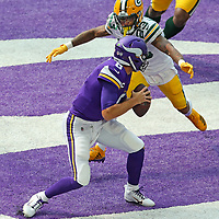 MINNEAPOLIS, MN - SEPTEMBER 13: Kirk Cousins #8 of the Minnesota Vikings gets sacked by Jaire Alexander #23 of the Green Bay Packers in the second quarter at U.S. Bank Stadium on September 13, 2020 in Minneapolis, Minnesota. (Photo by Adam Bettcher/Getty Images) *** LOCAL CAPTION *** Kirk Cousins; Jaire Alexander