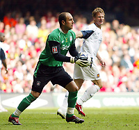 Photo: Chris Ratcliffe.<br />Liverpool v West Ham United. The FA Cup Final. 13/05/2006.<br />Jose Reina of Liverpool prepares to throw out.