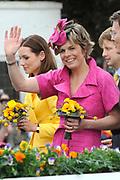 Koninginnedag 2008 / Queensday 2008. <br /> <br /> Koningin Beatrix viert Koninginnedag dit jaar in Friesland. De vorstin en haar familie bezochten op 30 april Makkum en Franeker.<br /> <br /> Queen Beatrix celebrates Queensday this year in Friesland (the Nothren provice in Holland). The Queen and its family visited Makkum and Franeker on 30 April.<br /> <br /> Op de foto/ On the Photo: Princes Laurentien / Prinses Laurentien