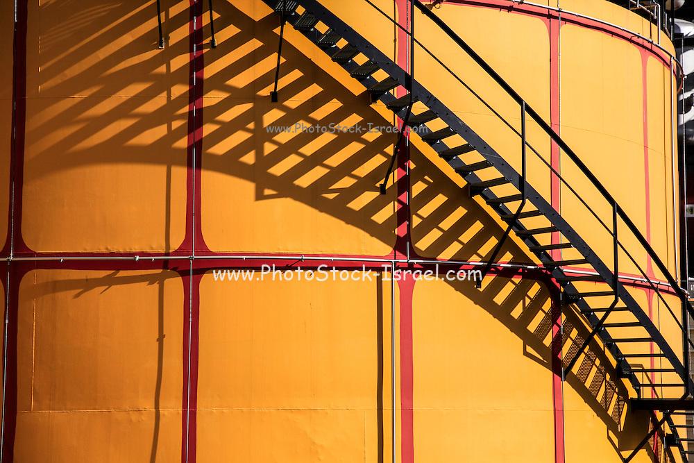 Spittelau Waste Incineration Plant re-designed by Friedensreich Hundertwasser, Vienna, Austria
