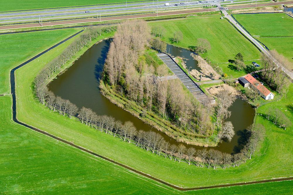 Nederland, Noord-Holland, Uitgeest, 20-04-2015; Fort aan den Ham, ten zuidwesten van Krommenie. Onderdeel van de Stelling van Amsterdam. Gebouwd in verband met de aanleg spoorlijn Amsterdam – Alkmaar.<br /> Fort aan den Ham, part of 19th century Defense line of Amsterdam<br /> luchtfoto (toeslag op standard tarieven);<br /> aerial photo (additional fee required);<br /> copyright foto/photo Siebe Swart