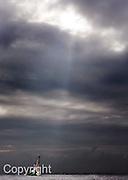 """V. 10. Valencia, 26/04/2007. El """"Desafío Español 2007"""" durante la segunda regata de la undécima jornada de la Copa Louis Vuitton que se ha disputado hoy en la bahía de Valencia. EFE/Kai Försterling"""