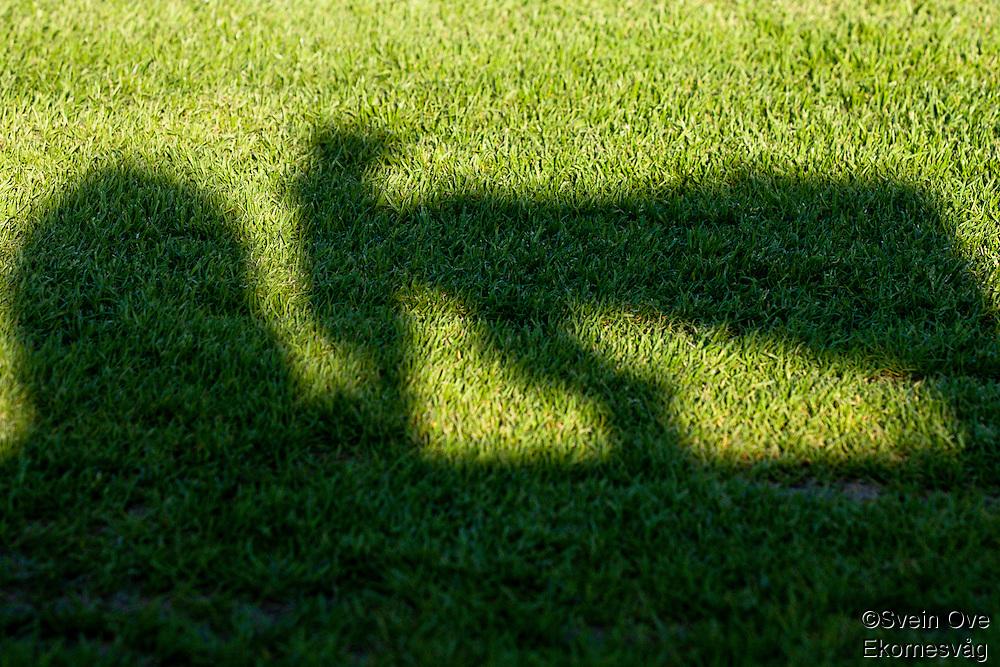 Bare en skygge av meg selv.<br /> Foto: Svein Ove Ekornesvåg