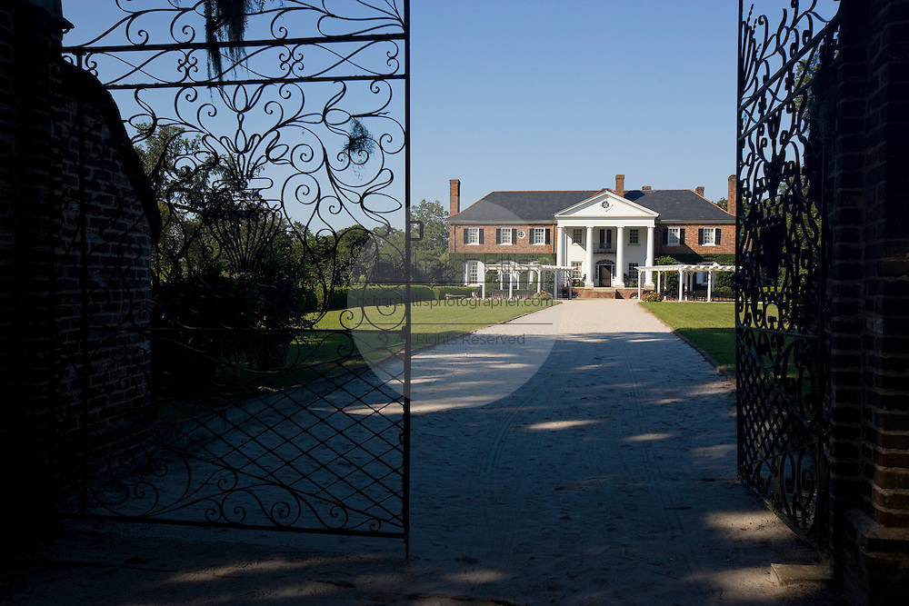 Main house at Boone Hall Plantation in Mt. Pleasant, SC, just outside Charleston. Boone Hall is also one of America's oldest working, living plantations. continuously growing and producing crops for over 320 years.