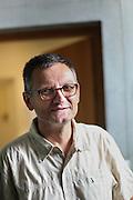 Portrait de Philippe Warin directeur de recherche au CNRS de Grenoble // Portrait of Philippe Warin, the director of research at CNRS of Grenoble. France