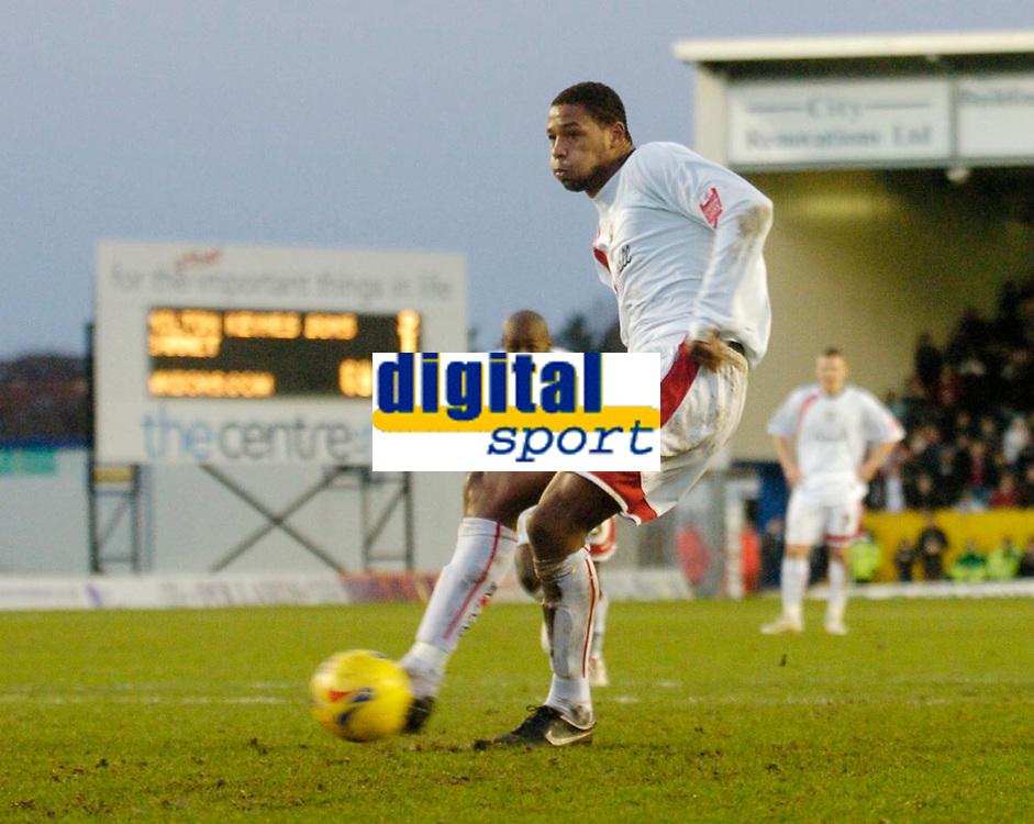 Photo: Leigh Quinnell.<br /> Milton Keynes Dons v Barnet. Coca Cola League 2. 20/01/2007. MK Dons Clive Platt takes his penalty.
