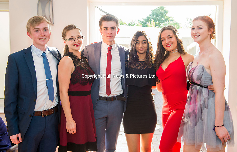 21 July 2017: Tollbar Academy MAT Sixth Form College Prom.<br /> (l-r) George Wales, Sam Anderson, Will Pomfret, Samhitha Alavala, Stella Webb and Rosie Perry.<br /> Picture: Sean Spencer/Hull News & Pictures Ltd<br /> 01482 210267/07976 433960<br /> www.hullnews.co.uk         sean@hullnews.co.uk