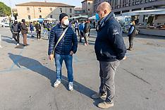 20210329 PROTESTA AMBULANTI PIAZZA TRAVAGLIO FERRARA