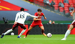Neco Williams of Liverpool tries to get past Ainsley Maitland-Niles of Arsenal - Mandatory by-line: Nizaam Jones/JMP - 29/08/2020 - FOOTBALL - Wembley Stadium - London, England - Arsenal v Liverpool - FA Community Shield