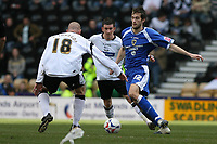 Photo: Pete Lorence.<br />Derby County v Cardiff City. Coca Cola Championship. 17/03/2007.<br />Cardiff's Roger Johnson on the attack.