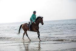 Guerdat Steve, (SUI), Corbinian relaxing on the beach<br /> Furusiyya FEI Nations Cup presented by Longines <br /> La Baule 2016<br /> © Hippo Foto - Dirk Caremans<br /> 14/05/16