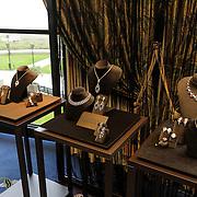 NLD/Noordwijk/20121107 - Presentatie Damiani door Sophia Loren, sieraden