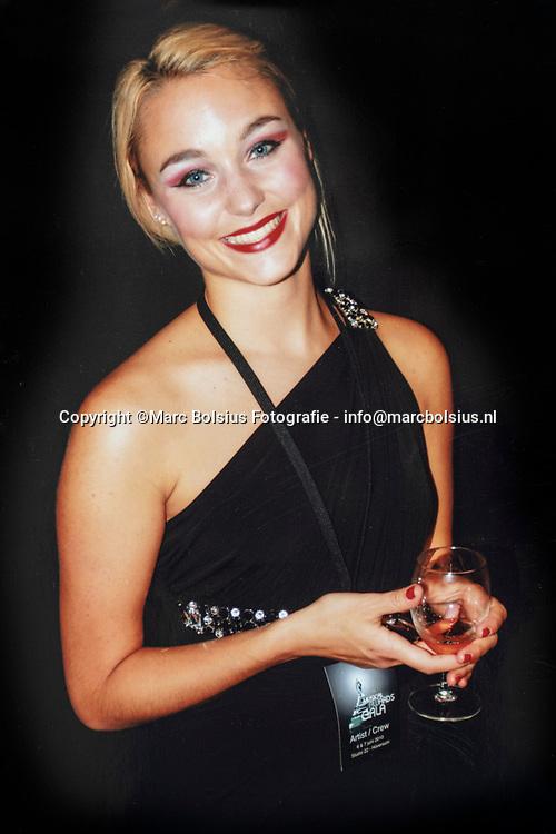 Nederland,  Haarsteeg, Marjolein Ter Hark-Houttuin verloor haar dochter Madelon door zelfdoding.
