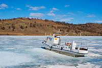 Russie, Siberie, Oblast d'Irkoutsk, lac Baikal, Maloe More ( petite mer), le lac gelé pendant l'hiver, ile d'Olkhon, port gelé de Khoujir // Russia, Siberia, Irkutsk oblast, Baikal lake, Maloe More (little sea), frozen lake during winter, Olkhon island, frozen Harbour of Khoujir