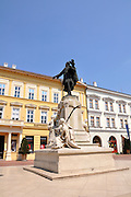 Eastern Europe, Hungary, Szeged, Statue of Kossuth Lajos at Klauzal square