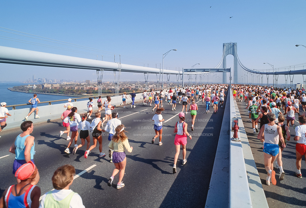 NEW YORK - NOVEMBER 3:  Runners competing in the 1991 New York City Marathon cross the Verrazzano Bridge from Staten Island to Brooklyn near the beginning of the race on November 3, 1991 in New York, New York.  (Photo by David Madison/Getty Images)