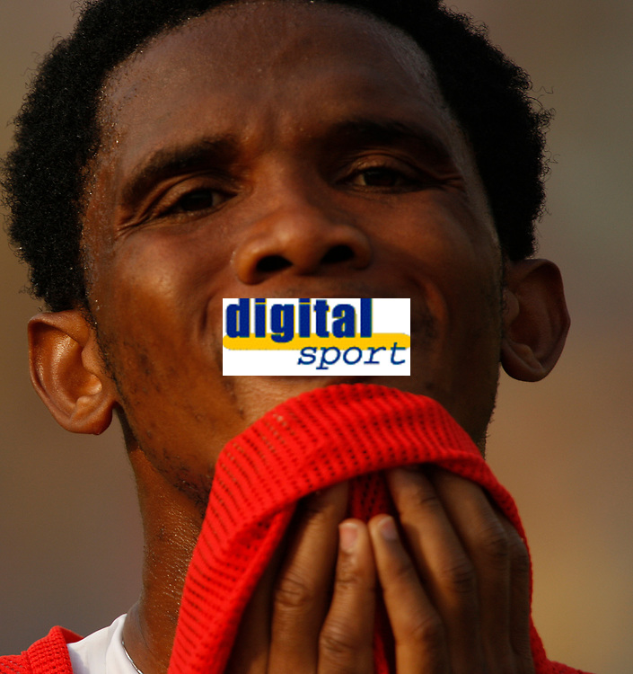 Photo: Steve Bond/Richard Lane Photography.<br />Egypt v Cameroun. Africa Cup of Nations. 22/01/2008. Samuel Eto'o of Barcelona and Cameroon feels the heat during training