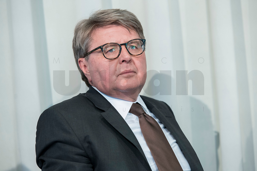 09 MAY 2019, BERLIN/GERMANY:<br /> Dr. Theodor Weimer, Vorstandsvorsitzender der Deutschen Boerse, Wirtschaftskonferenz der Wirtschaftsforums der SPD, Kalkscheune<br /> IMAGE: 20190509-01-098