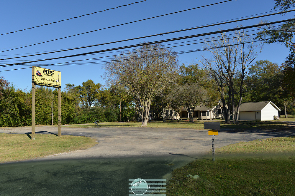 Texas state Hwy. 146 in Seabrook Texas in 2017-2018.  Highway due for demolition in 2019