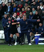 Photo: Andrew Unwin.<br />Hull v Norwich City. Coca Cola Championship. 11/02/2006.<br />Hull's manager, Peter Taylor (R), appeals to the referee, Mr J Moss (L).