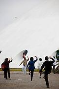 Sao Paulo_SP, Brasil.. .Pavilhao Lucas Nogueira Garcez (OCA) no Parque do Ibirapuera. Na foto pessoas praticando Tai Chi Chuan...The Pavilhao Lucas Nogueira Garcez (OCA) at Ibirapuera Park. In this photo people are doing Tai Chi Chuan...Foto: BRUNO MAGALHAES / NITRO