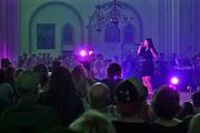 Nederland, Nijmegen, 16-7-2019Roxanne Hazes speelt live in de Stevenskerk tijdens de zomerfeesten, vierdaagsefeesten .Foto: Flip Franssen