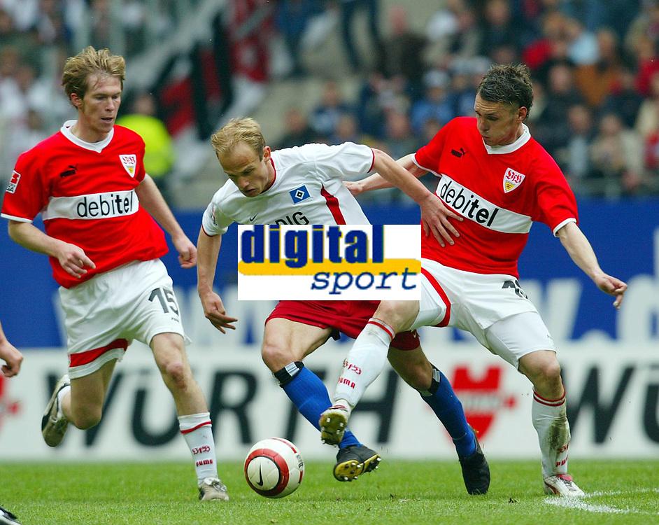 Fotball<br /> Bundesliga 2003/04<br /> Stuttgart v Hamburger SV<br /> 8.mai 2004<br /> Foto: Digitalsport<br /> NORWAY ONLY<br /> Aliaksandr HLEB, David JAROLIM, HSV, Christian TIFFERT, Stuttgart