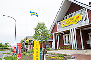I Sweden Hills används ett av husen till visningsexempel där kunderna kan inspireras. Bland annat får de potentiella husägarna veta att husen är miljövänliga och energisnåla. Dessutom har husen tjockare isolering i väggar och golv jämfört med ett japanskt standardhus.
