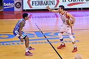 DESCRIZIONE : Campionato 2014/15 Serie A Beko Grissin Bon Reggio Emilia - Dinamo Banco di Sardegna Sassari Finale Playoff Gara7 Scudetto<br /> GIOCATORE : Andrea Cinciarini Beko<br /> CATEGORIA : Palleggio Schema Mani Marketing<br /> SQUADRA : Grissin Bon Reggio Emilia<br /> EVENTO : LegaBasket Serie A Beko 2014/2015<br /> GARA : Grissin Bon Reggio Emilia - Dinamo Banco di Sardegna Sassari Finale Playoff Gara7 Scudetto<br /> DATA : 26/06/2015<br /> SPORT : Pallacanestro <br /> AUTORE : Agenzia Ciamillo-Castoria/L.Canu