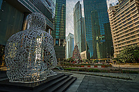 """""""Singapore Soul"""" (foreground) & """"Momentum"""" Sculptures, Downtown"""