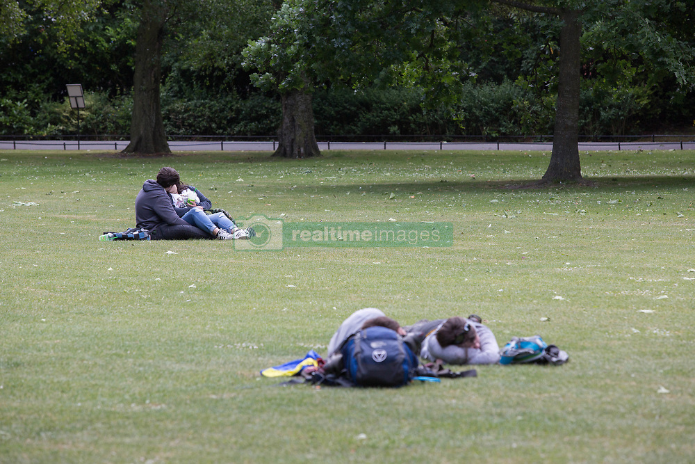 June 14, 2018 - Dublin, Ireland - People enjoying the sunny day at the historical St Stephens Green Park in the centre of Dublin city, Ireland. (Credit Image: © Paulo Lopes via ZUMA Wire)