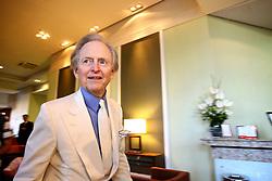 Thomas Kennerly Wolfe (mais conhecido como Tom Wolfe), nascido em 2 de fevereiro de 1931, é um jornalista e escritor norte-americano, conhecido por seu estilo marcadamente irônico. Nos EUA, é considerado um dos fundadores do new journalism, movimento jornalístico dos anos 60 e 70. FOTO: Lucas Uebel / Preview.com
