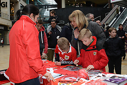 Bristol City fans look at items at Cabot Circus - Photo mandatory by-line: Dougie Allward/JMP - Mobile: 07966 386802 - 11/03/2015 - SPORT - Football - Bristol - Cabot Circus Shopping Centre - Johnstone's Paint Trophy