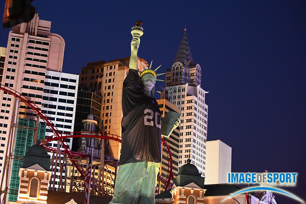 General overall view of the the Statue Of Liberty dressed in a Las Vegas Raiders inaugural season jersey outside of of the New York-New York hotel, Monday, Sept. 14, 2020, in Las Vegas. (Dylan Stewart/Image of Sport)